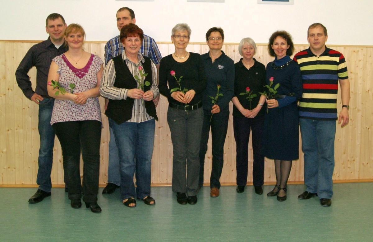 Weltfrauentag Paartänzer - Alle Tänzerinnen bekamen eine Rose.