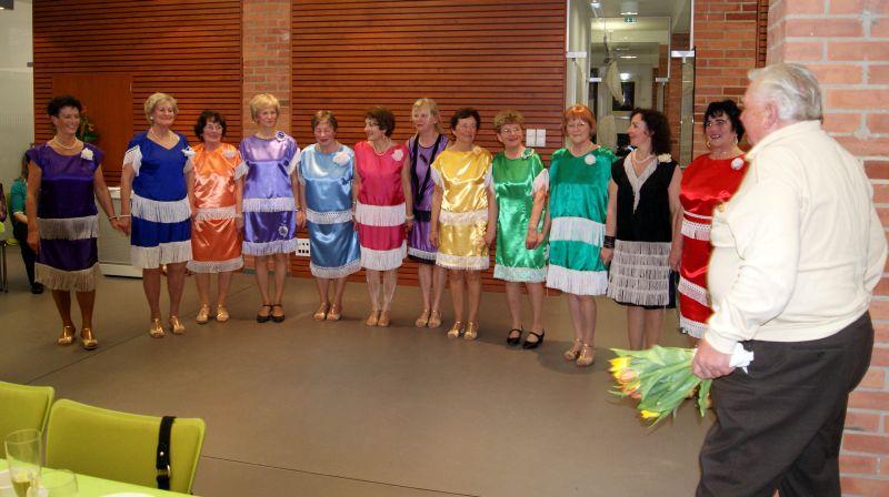 Jubiläum: 10 Jahre Seniorentanzgruppe Herbst Rosen