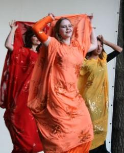 Yuliyah Orientalische Folklore Khaleegy Haartanz