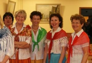 Seniorentanz beim Frühlingsfest im Seniorenheim