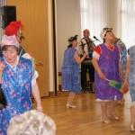 Seniorentanzgruppe Herbst Rosen - Lustige Hausfrauen Tanz