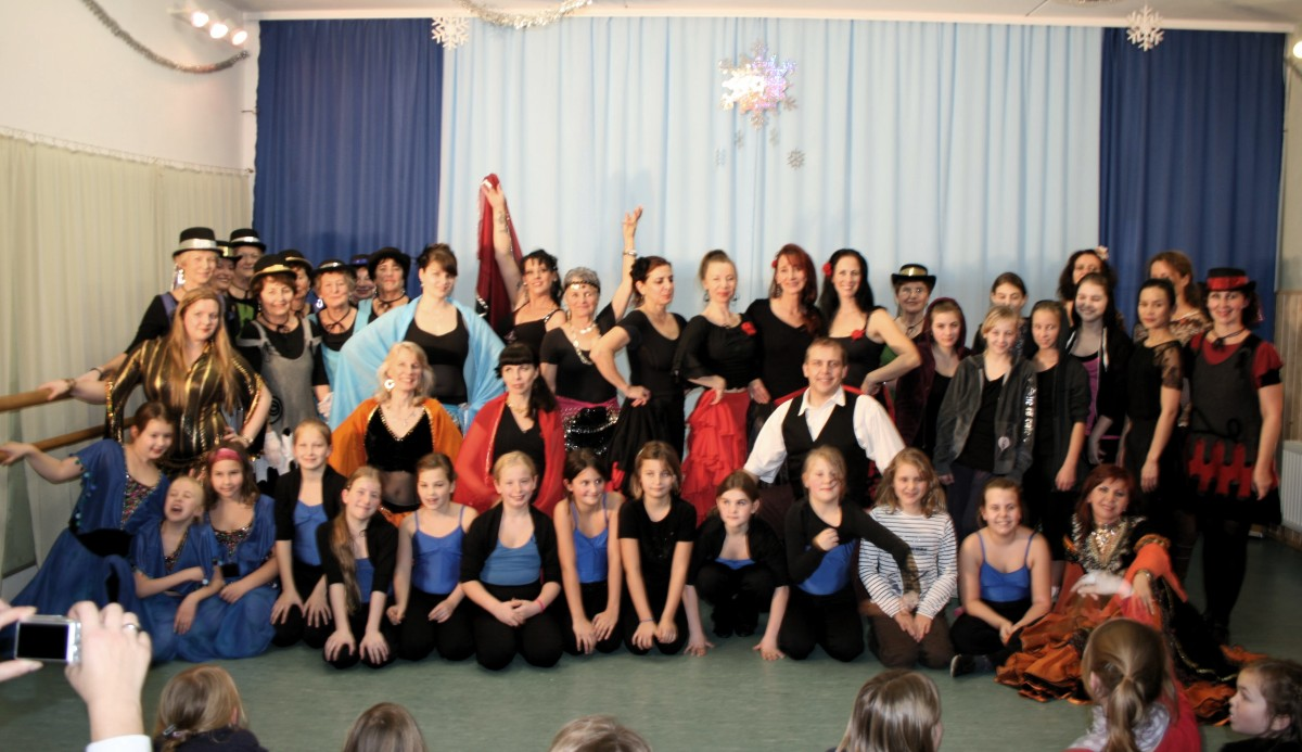 Tanzgruppenfoto - Abend der Tänze - Tanzshow in Birkenwerder