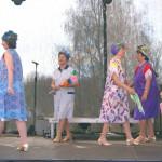 Herbst Rosen Hausfrauentanz Auftritt in Oranienburg
