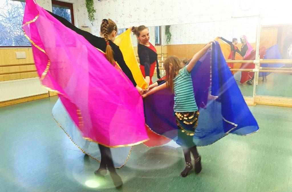 Kreativer Tanz / Bellydance für Kinder
