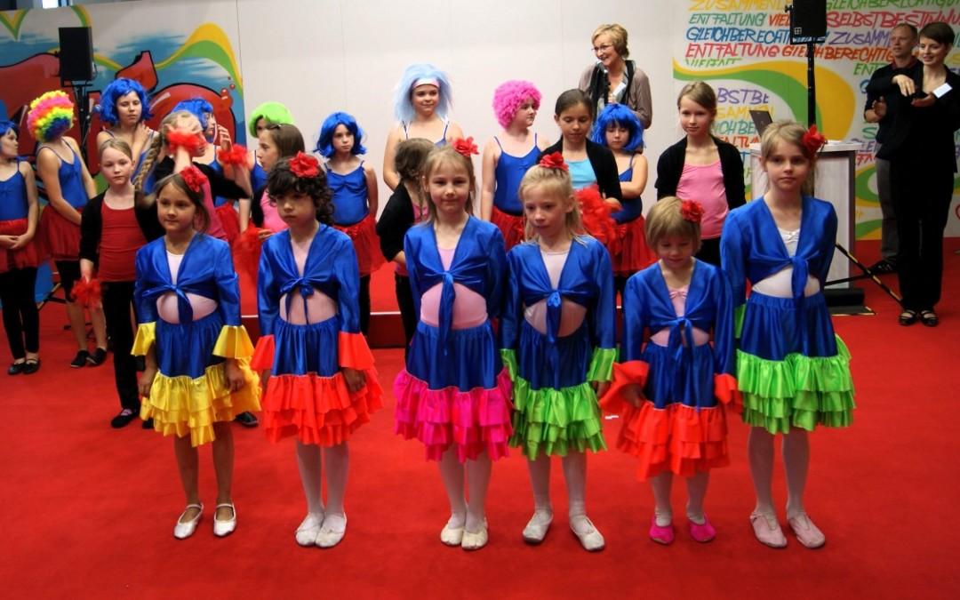Kindertanz beim 15. Deutschen Kinder- und Jugendhilfetag