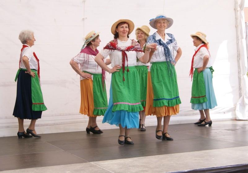 Seniorentanz beim Familientag in Hennigsdorf